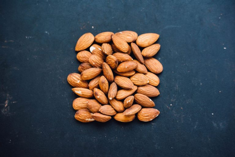 almonds: reduce cholesterol levels