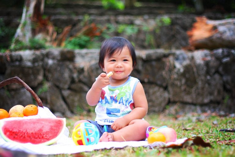 get children interested in food through food play