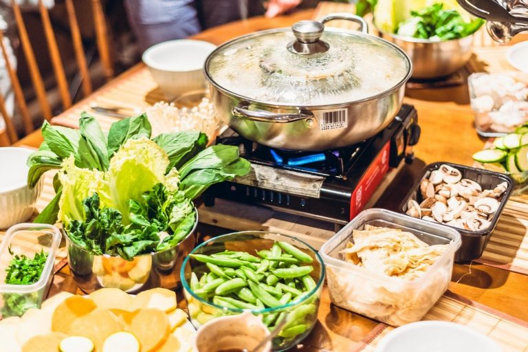 4 ways to serve up healthier chinese new year food: fresh meats in hot pot